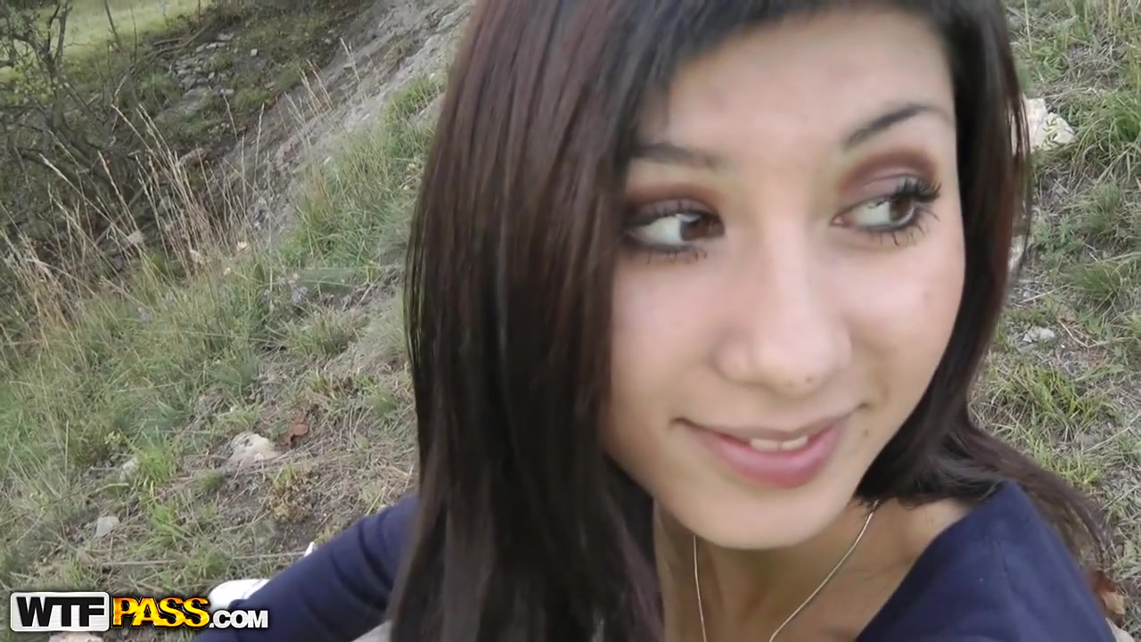 FUCKING EPIC! Adorable teenage girl having casual outdoor fuck with lucky pickuper