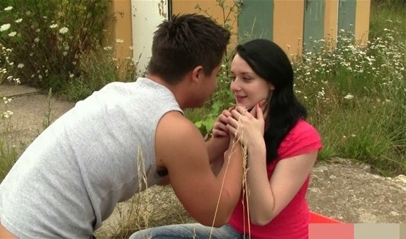 Cute teenage girl fucked outdoors