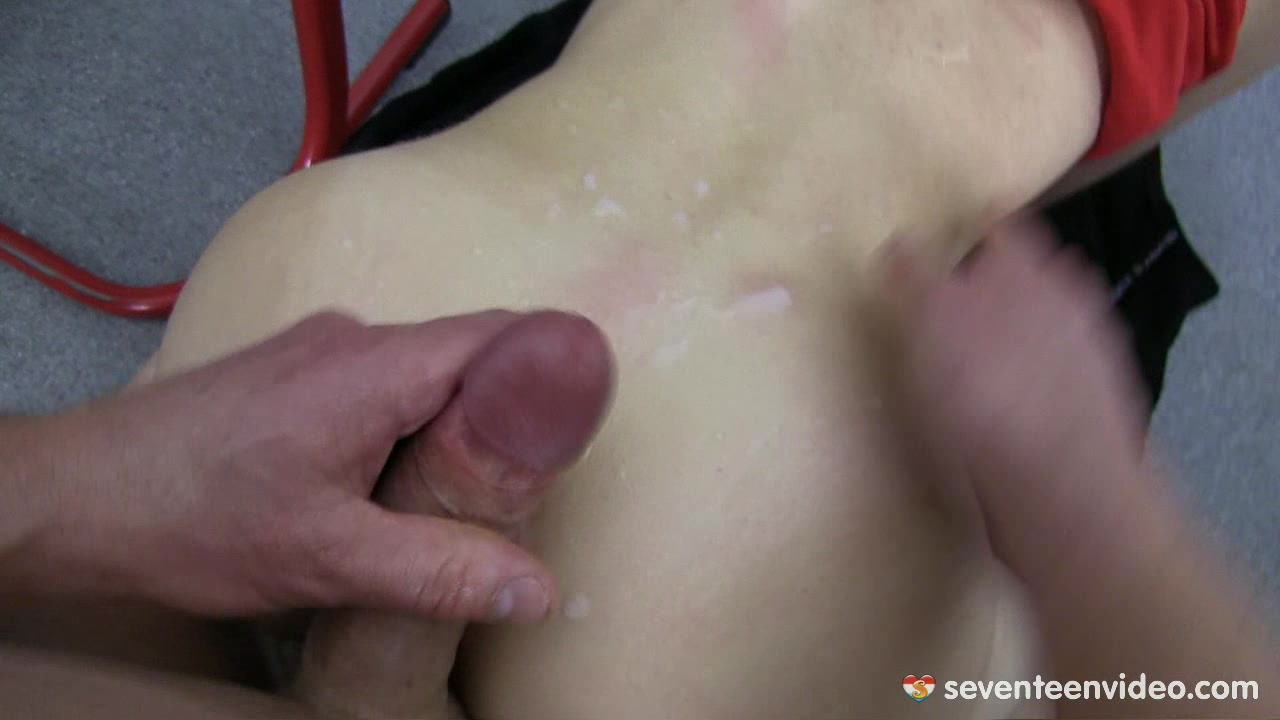 DAMN! This girl is so fucking HOT! EPIC HARDCORE CLIP!