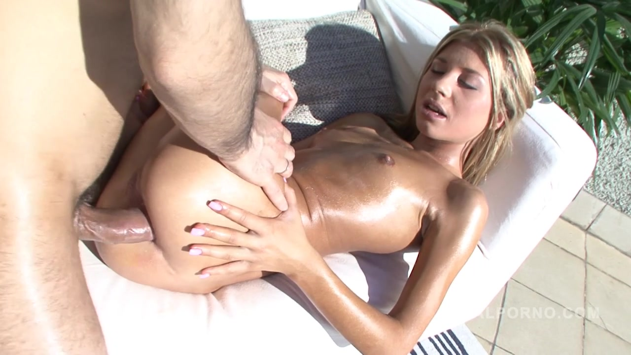 Victoria Tiffany - Victoria Tiffany Fucked In The Ass Outdoors