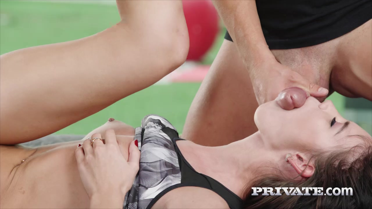 Lovenia Lux - Gets in Shape With an Anal / DP Trio
