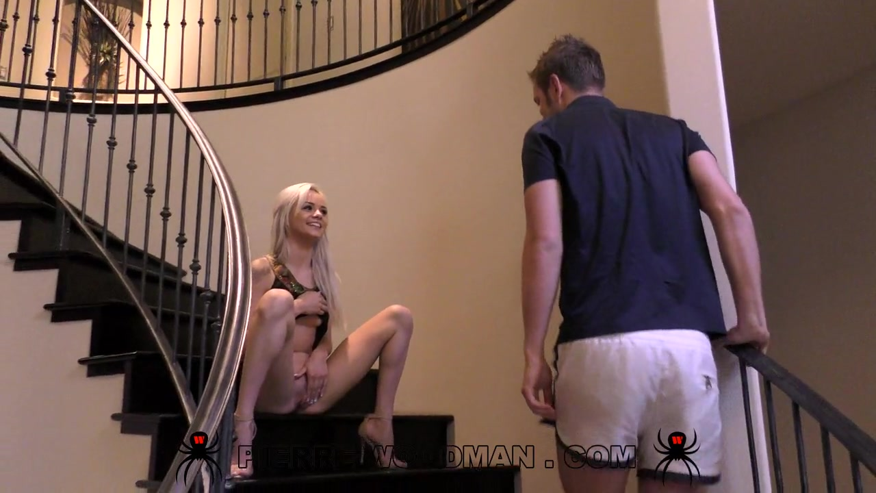 Elsa Dream - Hard - Love in the stairs with a man