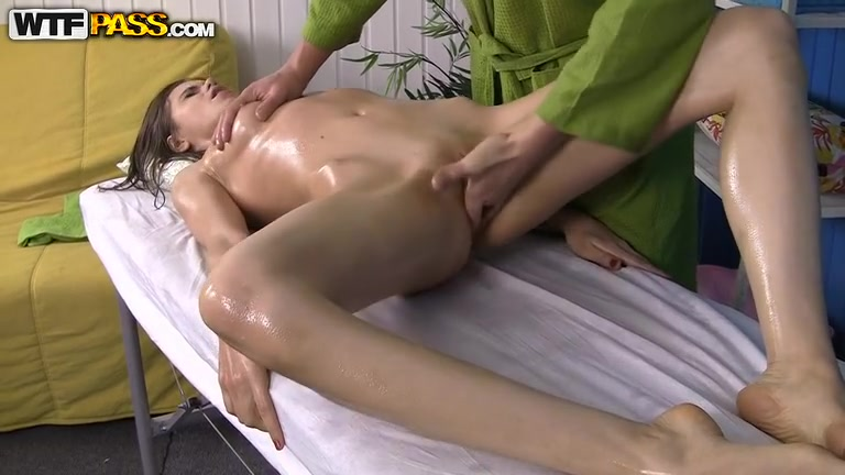 Anna Taylor - Awesome massage porn with lusty babe