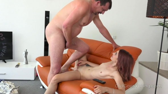 Tera Link - Dude gives his fresh step-daughter a dick in doggy position