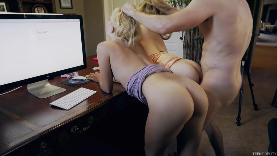 Riley Star, Hannah Hays - Double Trouble E300