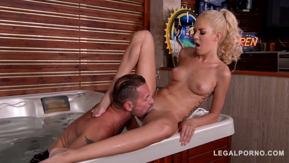 Monique Woods - Absolutely Dirty Jacuzzi Fuck With Wet And Horny Glamour Babe Monique Woods GP117