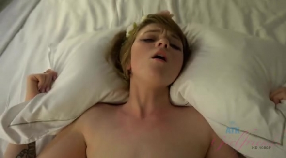 Lucy Valentine - You fuck Lucy hard and cum on her face