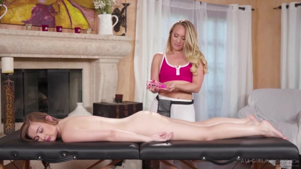 AJ Applegate & Danni Rivers - Stretch Me Out