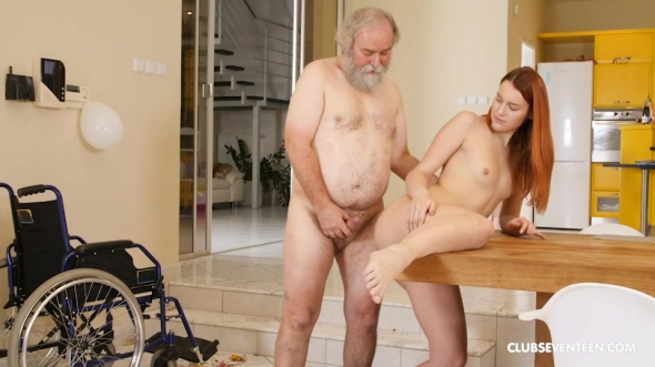 Charli Red - All inside the family Ep.4 Granddad having the time of his life