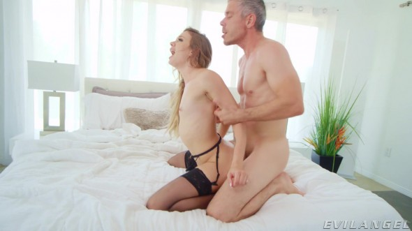 Naomi Swann - Pussy Fuck And Cum Swallow