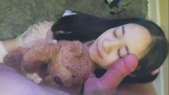 Asian teenie eating cum 1080p